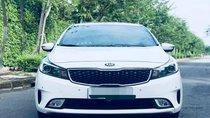 Cần bán xe Kia Cerato 2017 số tự động, màu trắng chính chủ