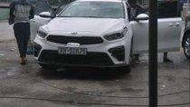 Bán Kia Cerato 1.6AT đời 2019, màu trắng, số tự động
