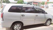 Bán Toyota Innova đời 2010, màu bạc, gia đình đang sử dụng