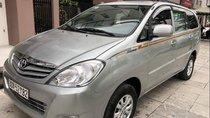Gia đình bán Toyota Innova sản xuất 2009, màu bạc