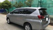 Cần bán xe Toyota Innova 2017 số sàn, màu bạc