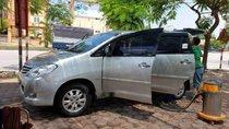 Cần bán xe Toyota Innova đời 2011, màu bạc, 1 chủ từ đầu