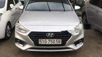 Bán Hyundai Accent sản xuất 2018, màu bạc, giá tốt