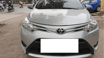Bán Toyota Vios số sàn năm sản xuất 2017, màu bạc