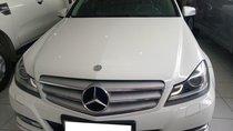 Cần bán Mercedes đời 2013, màu trắng