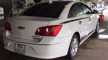 Cần bán gấp Chevrolet Cruze 2016, màu trắng xe gia đình