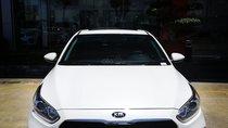Cần bán Kia Cerato Deluxe năm 2019, màu trắng