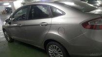 Cần bán Ford Fiesta đời 2013, màu bạc