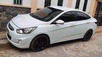 Bán Hyundai Accent năm sản xuất 2012, màu trắng, máy móc nổ rất êm