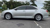 Cần bán xe Toyota Camry 2.5G đời 2013, màu bạc, xe đẹp một chủ mua mới