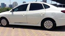 Cần bán Hyundai Avante năm sản xuất 2014, màu trắng