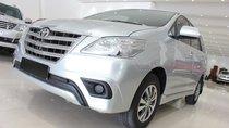 Cần bán xe Toyota Innova E năm 2015, màu bạc