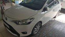 Cần bán lại xe Toyota Vios AT đời 2017, màu trắng