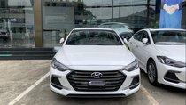 Bán Hyundai Elantra Sport 2019, màu trắng, nhập khẩu