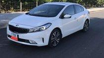 Bán Kia Cerato 1.6AT đời 2018, màu trắng xe gia đình, giá chỉ 587 triệu