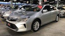 Bán Camry 2.0E 12/2015 màu bạc, xe đẹp, bảo hành tại Toyota Sure Đông Sài Gòn, LH 0907969685