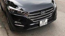 Bán xe Hyundai Tucson đời 2018, màu đen chính chủ