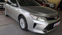 Bán Toyota Camry 2.0E đời 2015, màu bạc, giá cạnh tranh