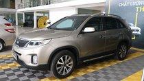 Cần bán Kia Sorento 2.4AT 2WD sản xuất năm 2015, màu vàng