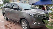 Cần bán lại xe Toyota Innova E sản xuất 2018, màu xám giá cạnh tranh