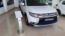 Cần bán xe Mitsubishi Outlander sản xuất 2019, màu trắng
