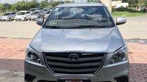 Cần bán xe Toyota Innova E sản xuất năm 2016, màu bạc
