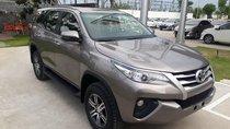 Bán Toyota Fortuner 2.4G số sàn, máy dầu 2019, màu đồng, hổ trợ vay 85% thanh toán 240tr nhận ngay xe
