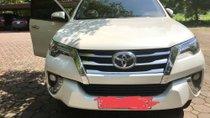 Cần bán gấp Toyota Fortuner 2.7 AT đời 2018, màu trắng
