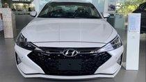 Cần bán xe Hyundai Elantra năm sản xuất 2019, xe mới 100%