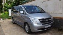 Bán xe Hyundai Starex đời 2013, màu bạc, xe gia đình