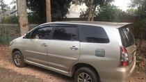 Bán Toyota Innova sản xuất 2012, màu bạc, xe gia đình