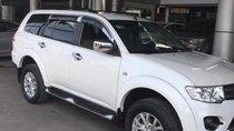 Bán Mitsubishi Pajero Sport 2.5MT màu trắng, máy dầu số sàn, sản xuất cuối 2016, một chủ đi 58000km