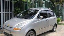 Cần bán xe Chevrolet Spark năm 2010, màu bạc xe gia đình
