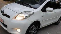 Bán Toyota Yaris RS 1.5 số tự động, đời T12/2012 màu trắng xe tuyệt đẹp mới 80%