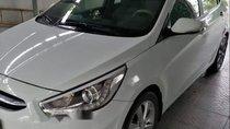 Gia đình bán Hyundai Accent năm 2015, màu trắng, nhập khẩu
