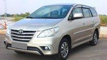 Bán Toyota Innova số sàn 2015 vàng kim, xe chính chủ