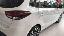 Bán Kia Rondo 2.0 Standard MT sản xuất năm 2019, màu trắng, giá 609tr