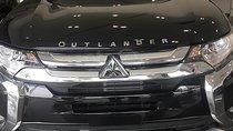 Cần bán Mitsubishi Outlander 2.0 CVT sản xuất năm 2019, màu đen