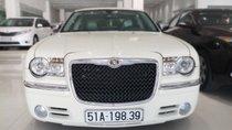 Cần bán xe Chrysler 300 3.5AT đời 2010, màu trắng, xe nhập