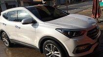 Bán Hyundai Santa Fe 2.2L 4WD sản xuất 2018, màu trắng xe gia đình