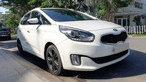 Bán Kia Rondo 2017 tự động dầu màu bạc, xe gia đình chính chủ