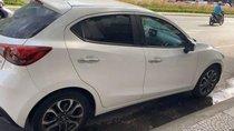 Cần bán lại xe Mazda 2 sản xuất 2017, màu trắng