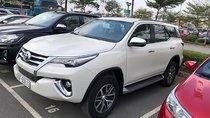 Cần bán lại xe Toyota Fortuner 2.8V 4x4 AT sản xuất 2018, màu trắng