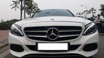 Mercesdes Benz C200 màu trắng/kem, sản xuất 2018, biển Hà Nội