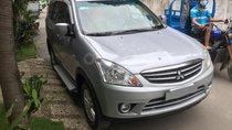 Bán Mitsubishi Zinger 2010 tự động, màu bạc, xe gia đình