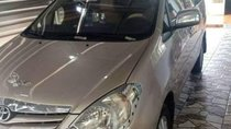 Cần bán lại xe Toyota Innova năm sản xuất 2010, số sàn
