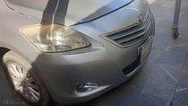 Cần bán gấp Toyota Vios đời 2011, màu bạc