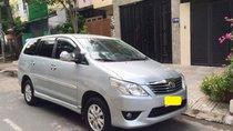 Cần bán Toyota Innova năm 2012, màu bạc chính chủ
