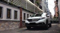 Cần bán xe Honda Crv 2015 số tự động, màu trắng, bản full