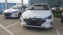 Bán xe Hyundai Elantra đời 2019, màu trắng. Giao ngay, KM khủng